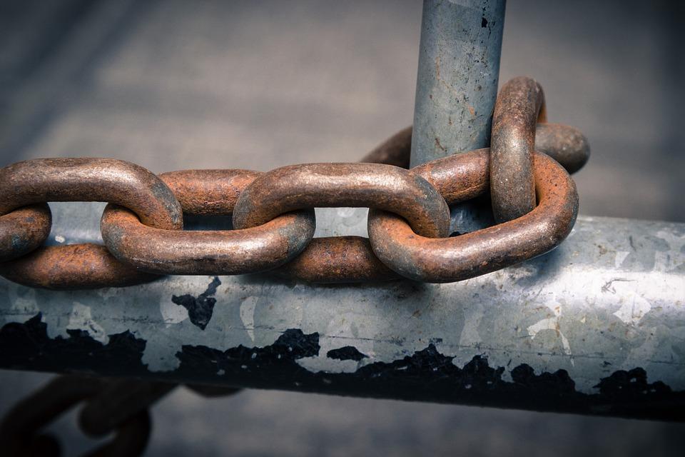 chain-1508317_960_720.jpg